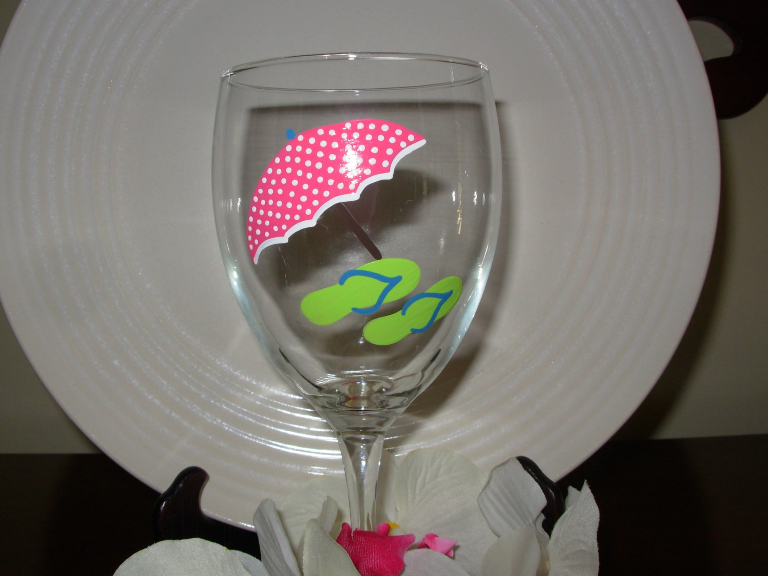 71bcfb4aa590 Beach Umbrella And Flip Flop Wine Glass Handpainted Personalized on Luulla